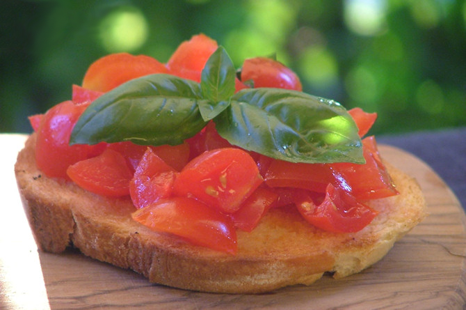 Bruschetta with Diced Tomatoes
