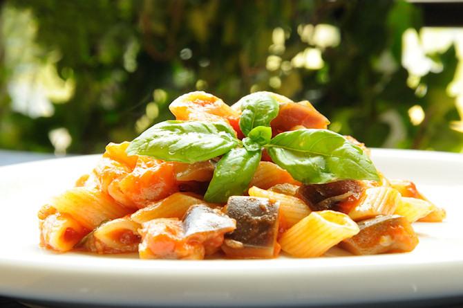 Pasta with eggplant sauce